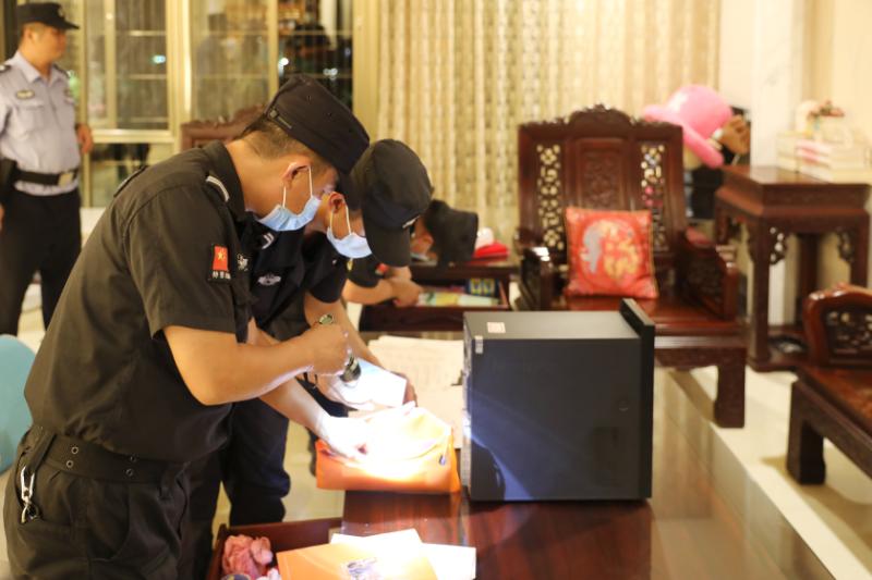 """广东茂名警方侦破""""套路贷""""涉黑恶专案抓31名嫌疑人"""