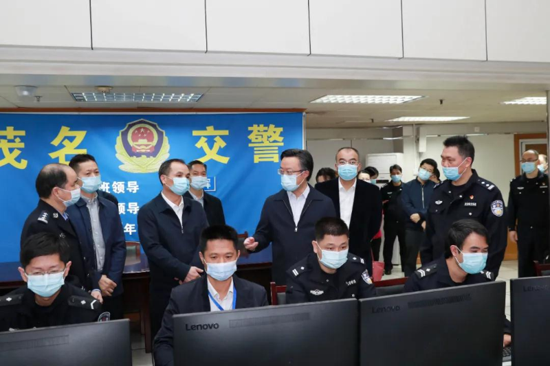 茂名警方出动4.7万人次警力保春节平安